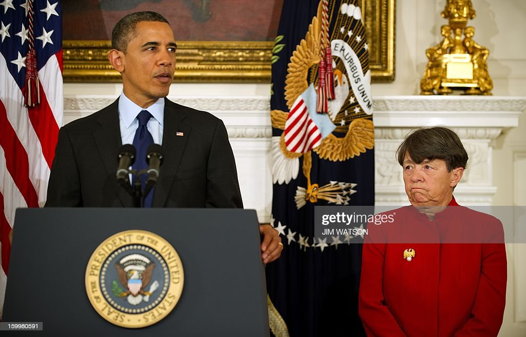 US President Barack Obama (L) nominates former US attorney Mary Jo White to lead the Securities and Exchange Commission, an agency that has a central role in implementing Wall Street reform, during an event at the White House in Washington, DC, January 24, 2013. AFP PHOTO/Jim WATSON