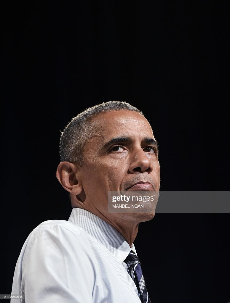 US President Barack Obama pauses as he speaks during a fundraiser for Washington Governor Jay Inslee at the Washington State Convention Center in Seattle, Washington on June 24, 2016. / AFP / MANDEL