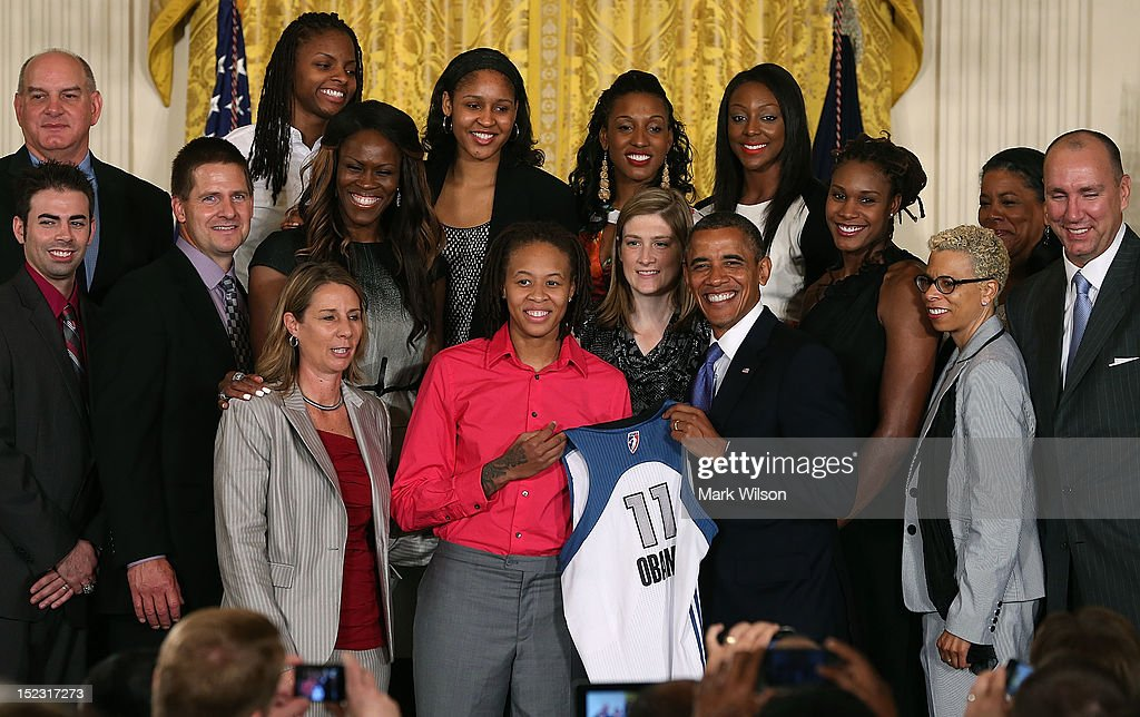 S President Barack Obama poses for a picture with the WNBA champion Minnesota Lynx during an event to honor the champions at the White House on...