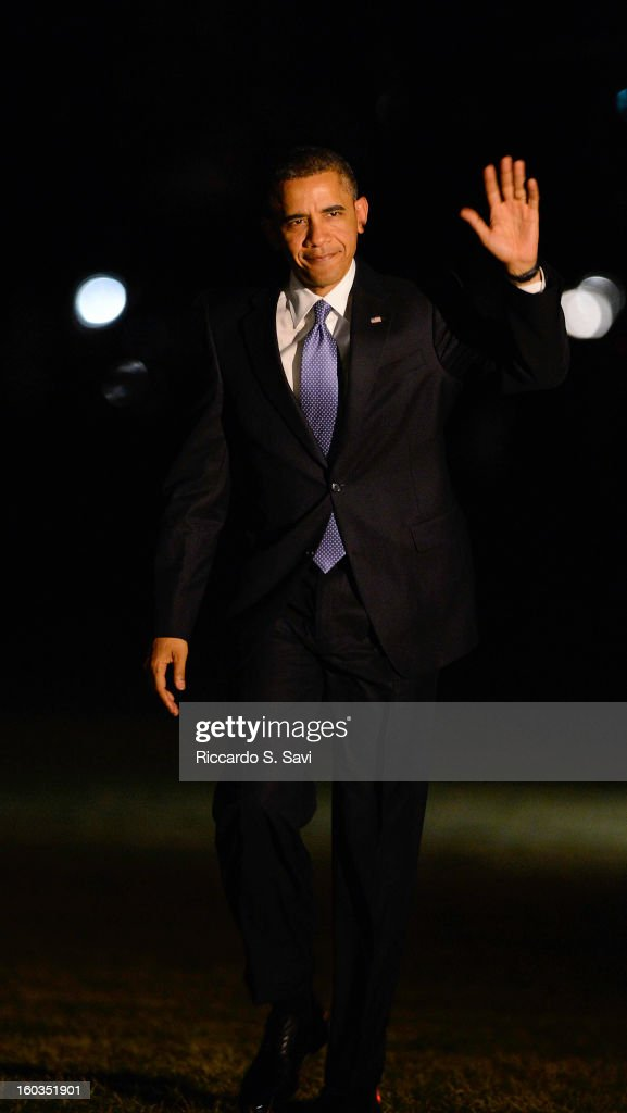 U.S. President <a gi-track='captionPersonalityLinkClicked' href=/galleries/search?phrase=Barack+Obama&family=editorial&specificpeople=203260 ng-click='$event.stopPropagation()'>Barack Obama</a> returns to the South Lawn of the White House after speaking in Las Vegas on comprehensive immigration reform on January 29, 2013 in Washington, DC.