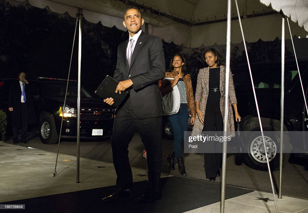U.S. President <a gi-track='captionPersonalityLinkClicked' href=/galleries/search?phrase=Barack+Obama&family=editorial&specificpeople=203260 ng-click='$event.stopPropagation()'>Barack Obama</a> returns to the White House after winning reelection, on November 7, 2012 in Washington, DC. With 303 electoral votes, President Obama claimed a clear victory over Republican presidential candidate, former Massachusetts Governor Mitt Romney.