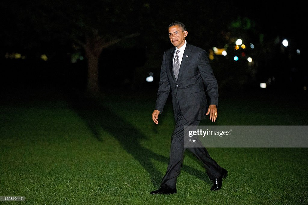 U.S. President <a gi-track='captionPersonalityLinkClicked' href=/galleries/search?phrase=Barack+Obama&family=editorial&specificpeople=203260 ng-click='$event.stopPropagation()'>Barack Obama</a> returns to the White House September 26, 2012 in Washington, D.C. Obama attended a campaign rally in Ohio.