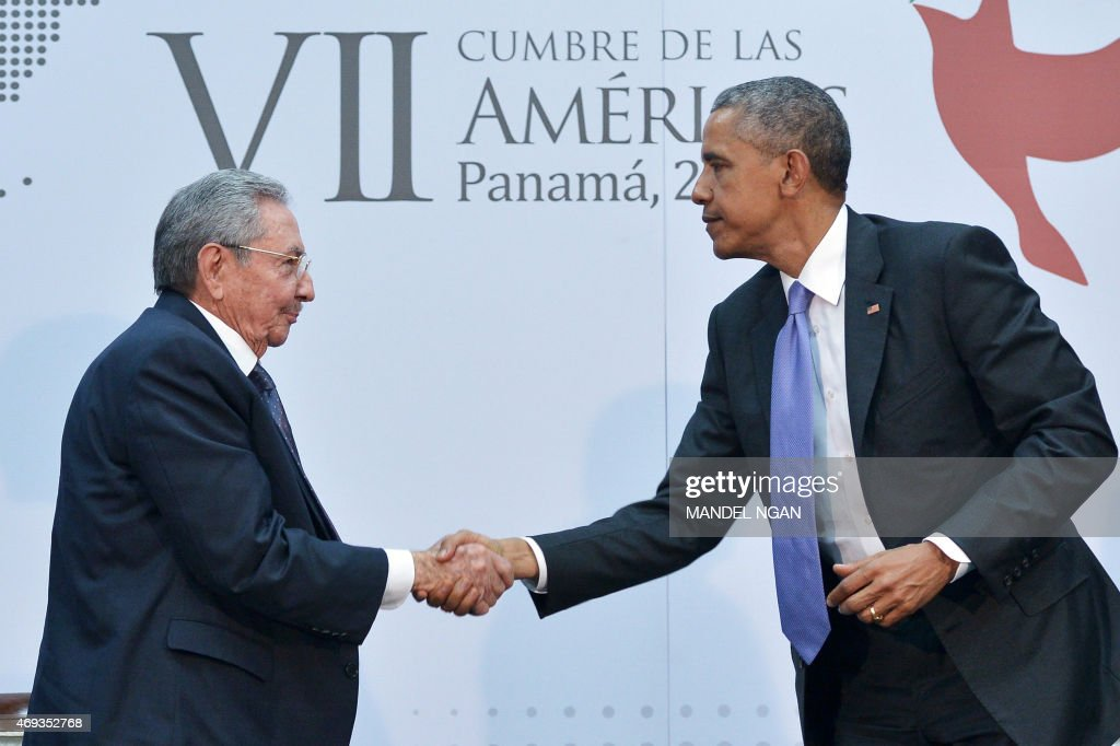 US President <a gi-track='captionPersonalityLinkClicked' href=/galleries/search?phrase=Barack+Obama&family=editorial&specificpeople=203260 ng-click='$event.stopPropagation()'>Barack Obama</a> (R) shakes hands with Cuba's President <a gi-track='captionPersonalityLinkClicked' href=/galleries/search?phrase=Raul+Castro&family=editorial&specificpeople=239452 ng-click='$event.stopPropagation()'>Raul Castro</a> (L) on the sidelines of the Summit of the Americas at the ATLAPA Convention center on April 11, 2015 in Panama City.
