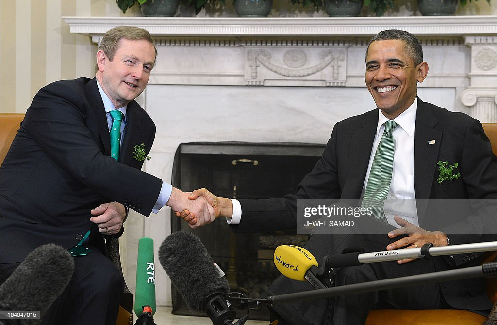 US President Barack Obama shakes hands with Irish Prime Minister Enda Kenny during a meeting in the Oval Office at the White House in Washington, DC, on March 19, 2013. The two leaders will be attending a luncheon on Capitol Hill later Tuesday. AFP PHOTO/Jewel Samad