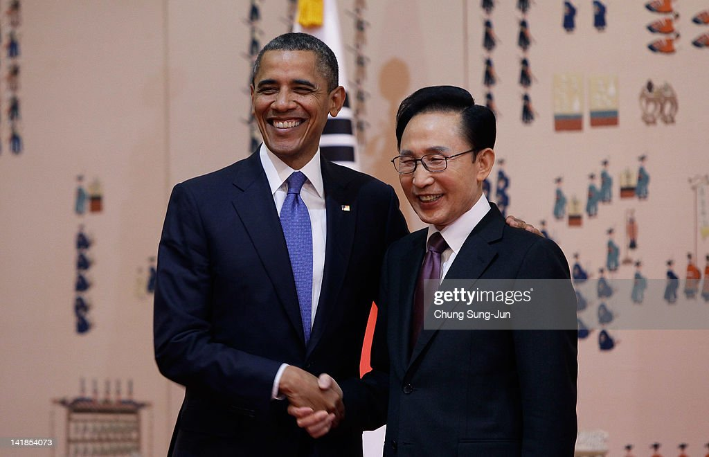 U.S. President <a gi-track='captionPersonalityLinkClicked' href=/galleries/search?phrase=Barack+Obama&family=editorial&specificpeople=203260 ng-click='$event.stopPropagation()'>Barack Obama</a> (L) shakes hands with South Korean President <a gi-track='captionPersonalityLinkClicked' href=/galleries/search?phrase=Lee+Myung-Bak&family=editorial&specificpeople=704274 ng-click='$event.stopPropagation()'>Lee Myung-Bak</a> before their meeting at the presidential house on March 25, 2012 in Seoul, South Korea. World leaders are gathering in Seoul to discuss the threat of nuclear terrorism, the recurrence nuclear power plant meltdown and to minimize nuclear material across the world.