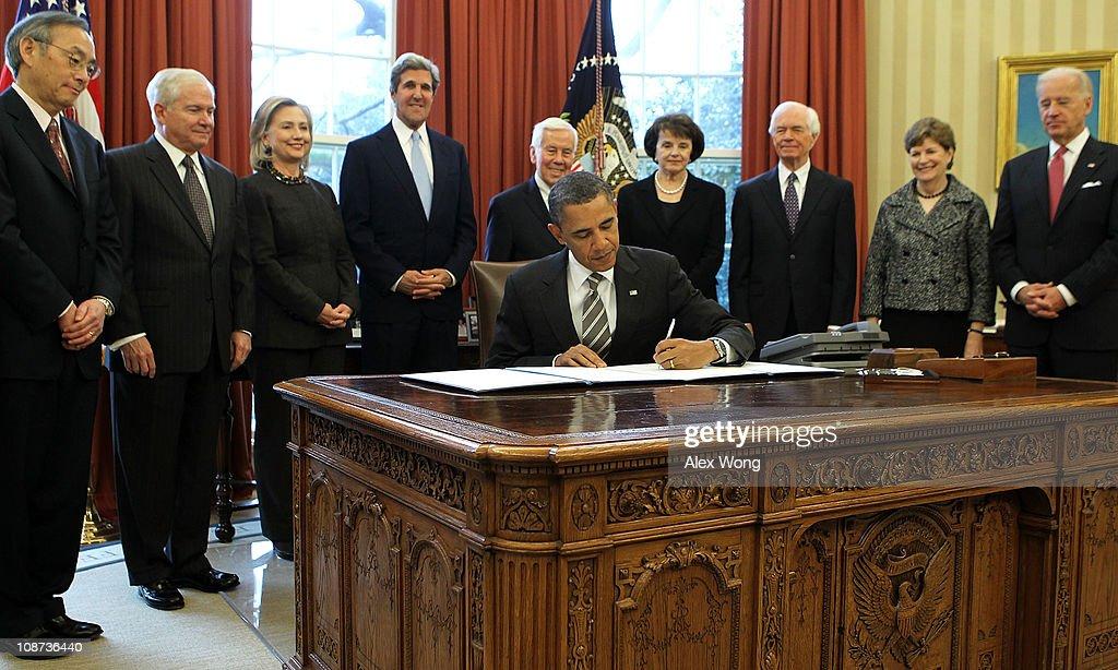 President Obama Signs New START Treaty
