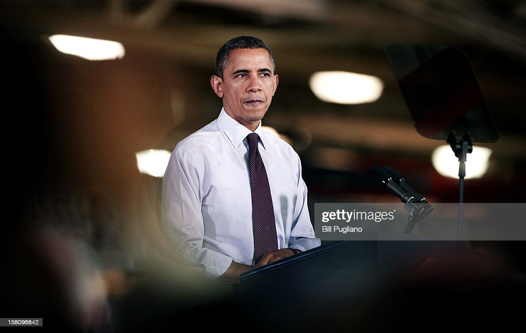 U.S. President <a gi-track='captionPersonalityLinkClicked' href=/galleries/search?phrase=Barack+Obama&family=editorial&specificpeople=203260 ng-click='$event.stopPropagation()'>Barack Obama</a> speaks about the economy at the Daimler Detroit Diesel engine plant December 10, 2012 in Redford, Michigan. The President and Congress have not yet come to an agreement regarding how to extend the Bush-era tax cuts, which expire at the end of this year (the so-called 'fiscal cliff'). Republicans in Congress want the tax cuts to continue to apply to all tax payers, whereas the President wants them to apply only to tax payers who earn less than $250,000 a year.