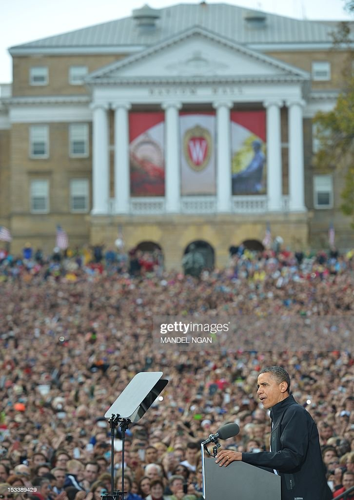 US President Barack Obama speaks at a campaign rally October 4, 2012 at the University of Wisconsin- Madison in Madison, Wisconsin. Obama returned to the campaign trail after taking part in the first presidential debate on October 3, 2012 in Denver. AFP PHOTO/Mandel NGAN