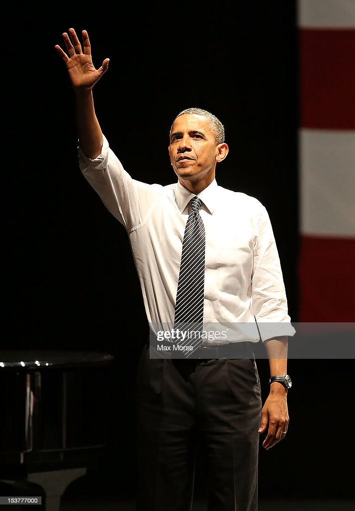 US President <a gi-track='captionPersonalityLinkClicked' href=/galleries/search?phrase=Barack+Obama&family=editorial&specificpeople=203260 ng-click='$event.stopPropagation()'>Barack Obama</a> speaks during a campaign event at the Bill Graham Civic Auditorium on October 8, 2012 in San Francisco, California.