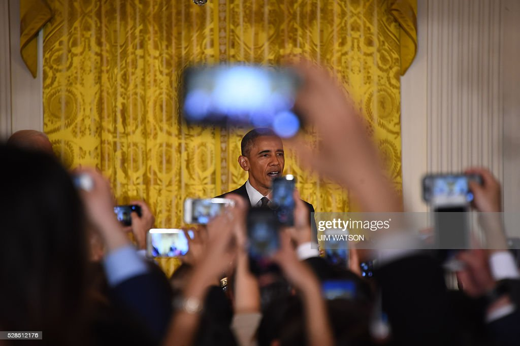 US President Barack Obama speaks during a Cinco de Mayo event at the White House in Washington, DC, May 5, 2016. / AFP / Jim Watson