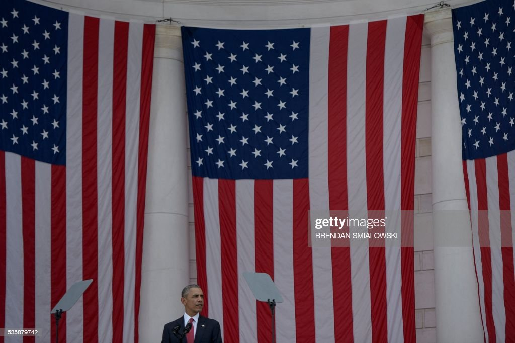 US President Barack Obama speaks during an event to honor Memorial Day at Arlington National Cemetery on May 30, 2016 in Arlington, Virginia. / AFP / Brendan Smialowski