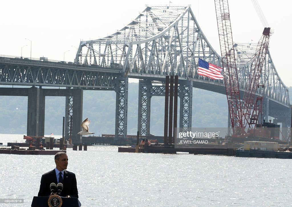 US President Barack Obama speaks on the need for a '21st Century Transportation Infrastructure' in Tarrytown, New York, on May 14, 2014. AFP PHOTO/Jewel Samad