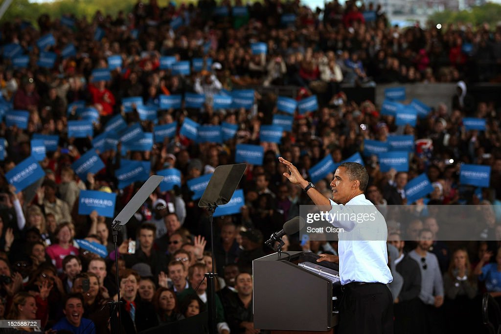 President <a gi-track='captionPersonalityLinkClicked' href=/galleries/search?phrase=Barack+Obama&family=editorial&specificpeople=203260 ng-click='$event.stopPropagation()'>Barack Obama</a> speaks to supporters during a campaign rally on September 22, 2012 in Milwaukee, Wisconsin. In addition to the rally, Obama attended two fundraising events during his visit to Milwaukee.