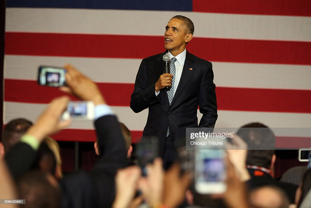 President Barack Obama stops at the Hoogland Center for the Arts in Springfield, Ill., following his speech at the Illinois State Capitol on Wednesday, Feb. 10, 2016.