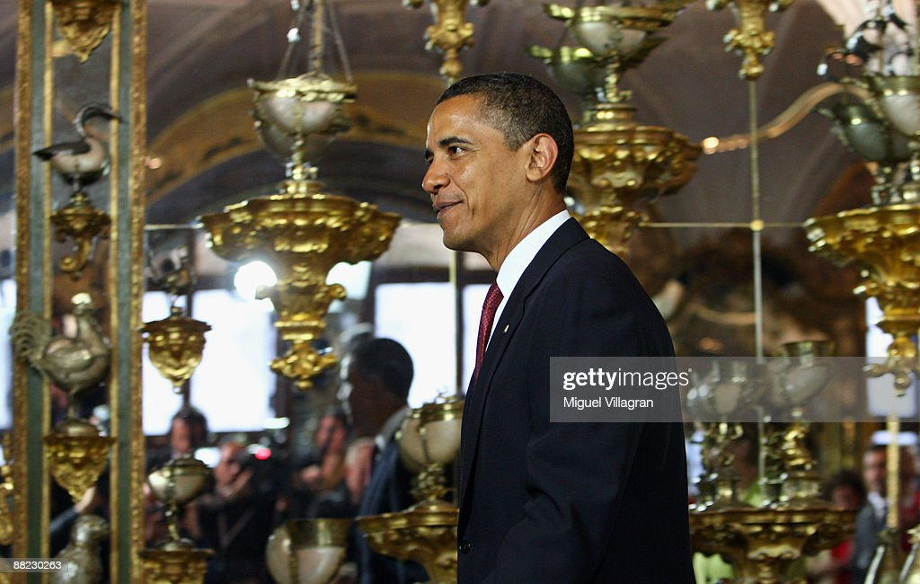 U.S. President <a gi-track='captionPersonalityLinkClicked' href=/galleries/search?phrase=Barack+Obama&family=editorial&specificpeople=203260 ng-click='$event.stopPropagation()'>Barack Obama</a> visits the Gruenes Gewoelbe (Green Vault) on June 5, 2009 in Dresden, Germany. Obama will visit Buchenwald, a former Nazi concentration camp, later today.