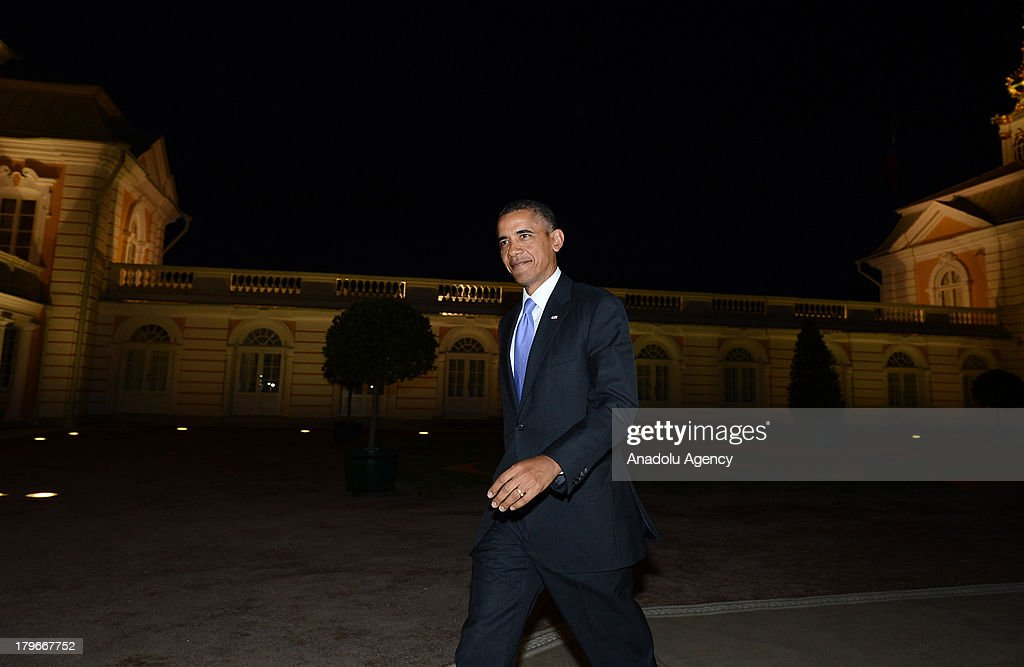 U.S. President Barack Obama walks alone for the dinner with other G-20 leaders at Peterhof Palace in Saint Petersburg, Russia on Thursday, September 5, 2013. World leaders are expected to discuss Syria at the dinner. The G20 summit begins on September 5, 2013 in Strelna town of Saint Petersburg under Russian Presidency.