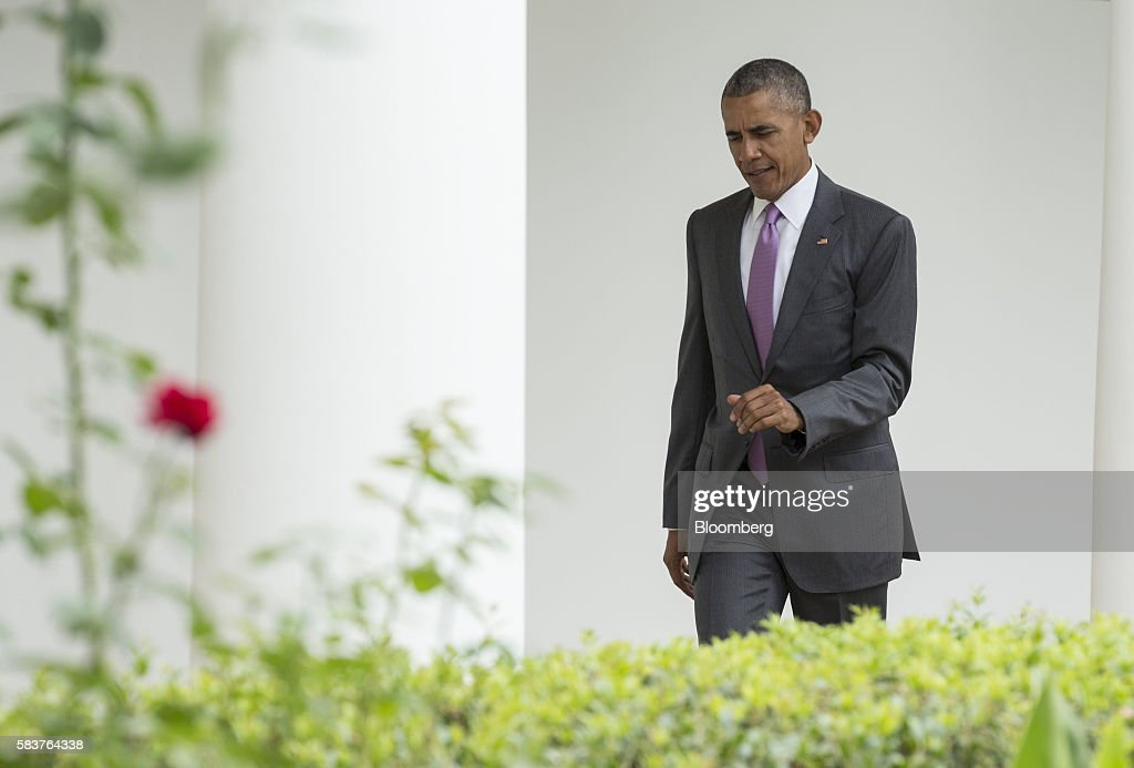 us president barack obama walks down the colonnade to the oval office at the white house barack obama enters oval