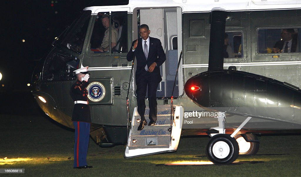 U.S. President <a gi-track='captionPersonalityLinkClicked' href=/galleries/search?phrase=Barack+Obama&family=editorial&specificpeople=203260 ng-click='$event.stopPropagation()'>Barack Obama</a> walks from Marine One to the White House after a trip to Connecticut on April 8, 2013 in Washington, DC. Earlier in the day, Obama delivered a speech on gun control at the University of Hartford.