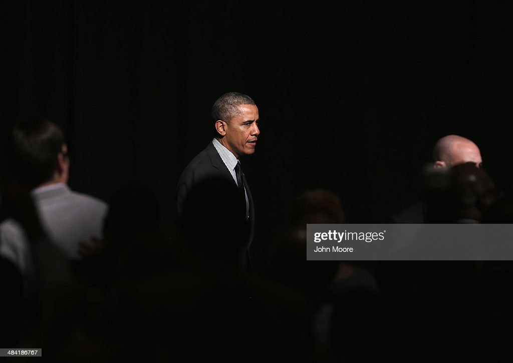President <a gi-track='captionPersonalityLinkClicked' href=/galleries/search?phrase=Barack+Obama&family=editorial&specificpeople=203260 ng-click='$event.stopPropagation()'>Barack Obama</a> walks to greet members of the National Action Network after speaking at their 16th annual convention at the Sheraton New York Times Square on April 11, 2014 in New York City. The President spoke about Americans' right to vote, saying state Republican state legislatures nationwide have passed voting fraud laws intended to curb the minority vote.