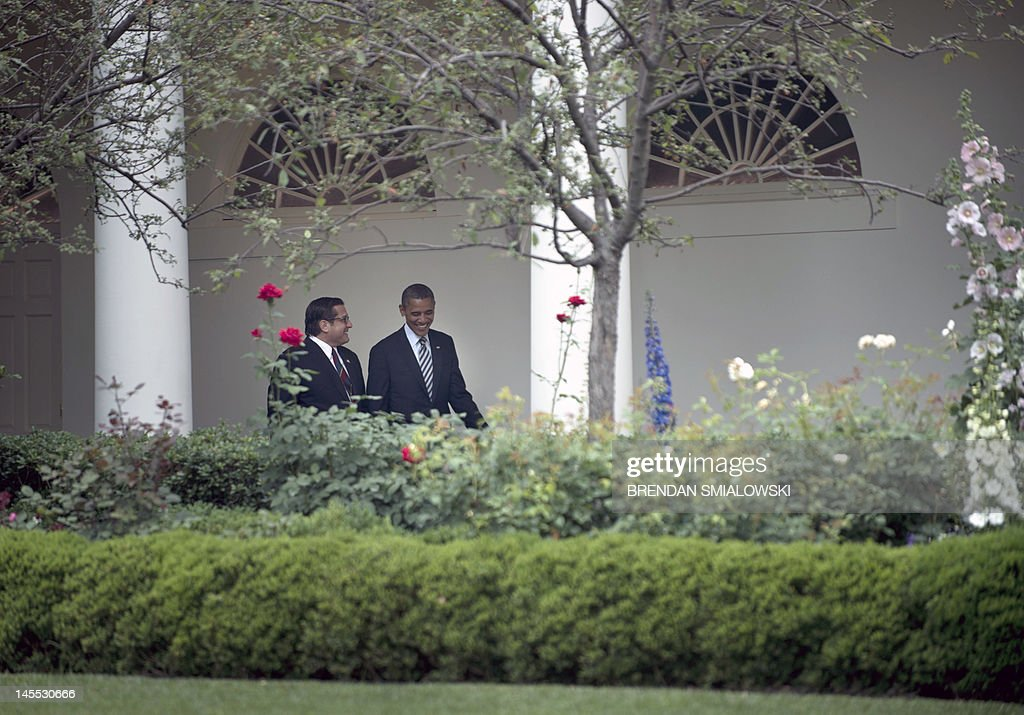US President Barack Obama (R)walks with Rep. Steven Rothman (D-NJ) through the colonnade of the White House June 1, 2012 in Washington, DC. Obama is traveling to Minneapolis and Chicago where he will make campaign stops and attend fund raisers. AFP PHOTO/Brendan SMIALOWSKI