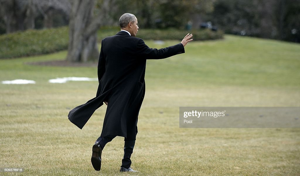 U.S. President <a gi-track='captionPersonalityLinkClicked' href=/galleries/search?phrase=Barack+Obama&family=editorial&specificpeople=203260 ng-click='$event.stopPropagation()'>Barack Obama</a> waves as he walks out of the residence toward Marine One while departing the White House, on February 10, 2016 in Washington, DC. President Obama is traveling to Springfield, Illinois where he will address the Illinois General Assembly.
