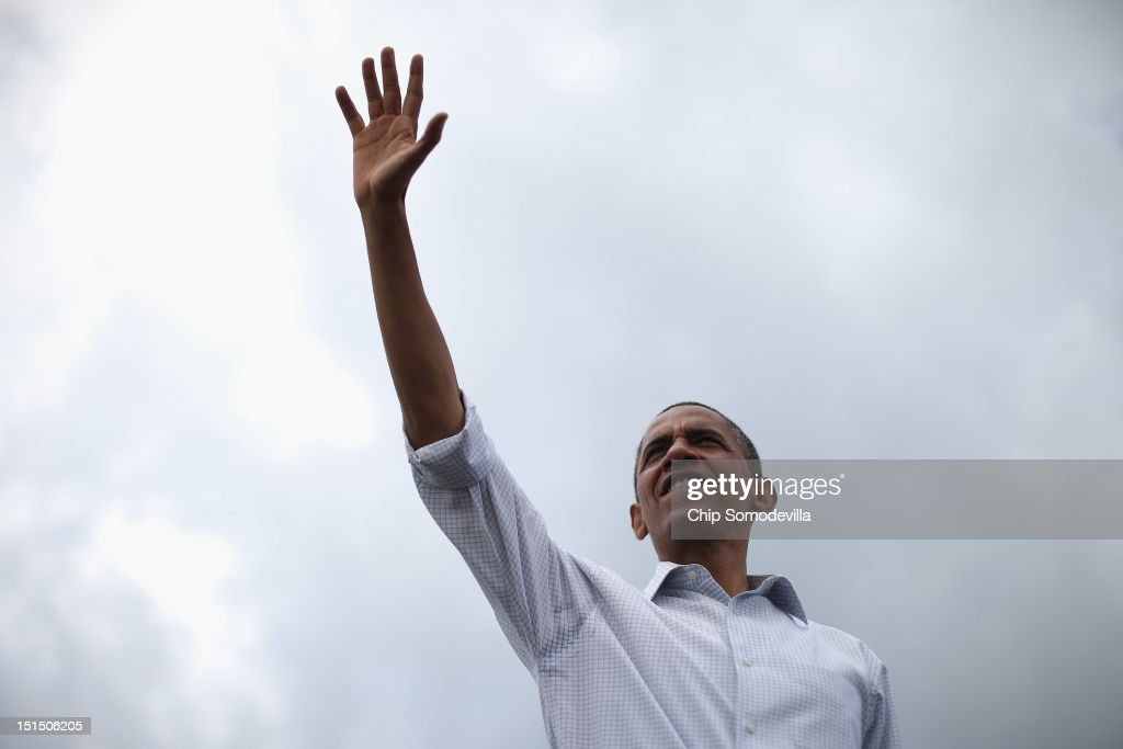 U.S. President <a gi-track='captionPersonalityLinkClicked' href=/galleries/search?phrase=Barack+Obama&family=editorial&specificpeople=203260 ng-click='$event.stopPropagation()'>Barack Obama</a> waves to supporters during a campaign on the campus of St. Petersburg College September 8, 2012 in St Petersburg, Florida. Working with the momentum from this week's Democratic National Convention, Obama is doing a two-day campaign swing from one side of Florida to the other on the politically important I-4 corridor.