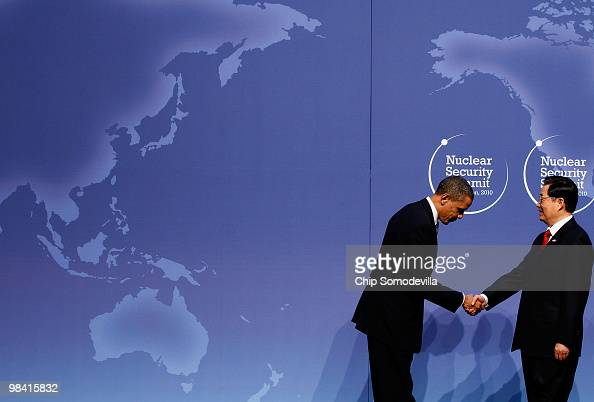 S President Barack Obama welcomes Chinese President Hu Jintao to the Nuclear Security Summit at the Washington Convention Center April 12 2010 in...
