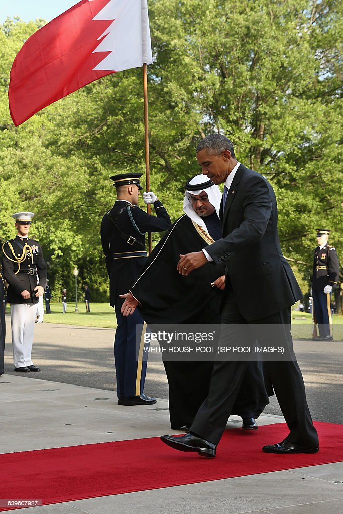 US President Barack Obama welcomes Salman bin Hamad AlKhalifa Crown Prince of The Kingdom of Bahrain to the White House May 13 2015 in Washington DC...