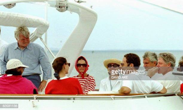 S President Bill Clinton First Lady Hillary Sen Edward Kennedy and Jacqulin Kennedy Onassis with other family members before leaving on a private...