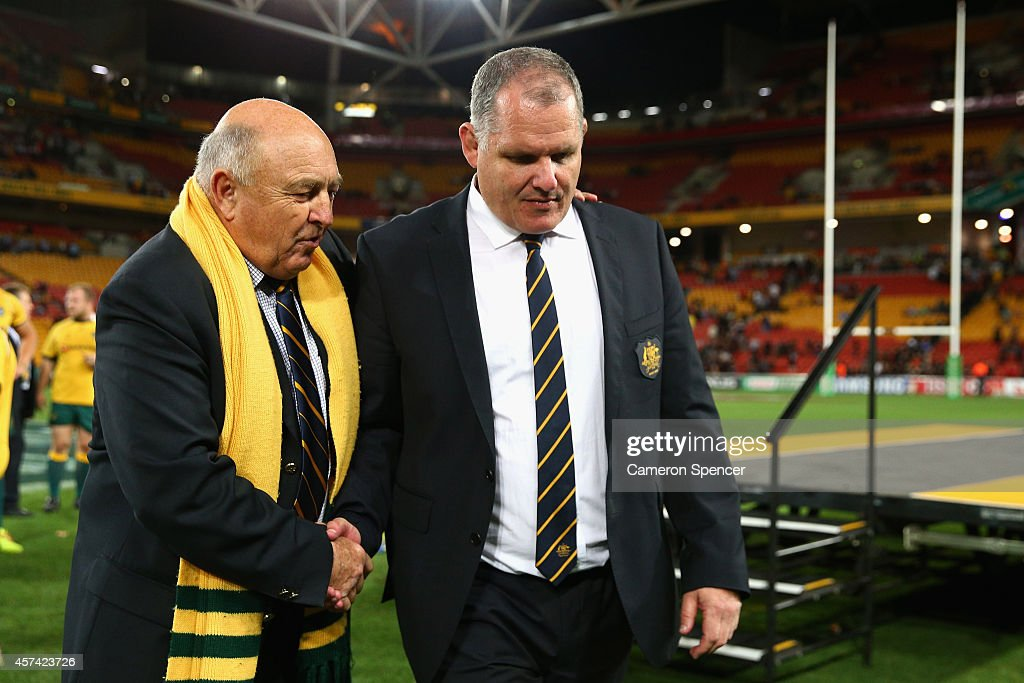 President David Crombie shakes hands with Wallabies coach Ewen McKenzie following The Rugby Championship match between the Australian Wallabies and...