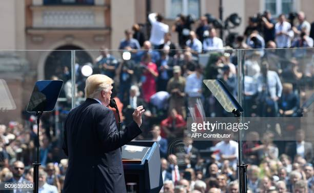 US President Donald Trump gives a speech on Krasinski Square during the Three Seas Initiative Summit in Warsaw Poland July 6 2017 / AFP PHOTO / SAUL...