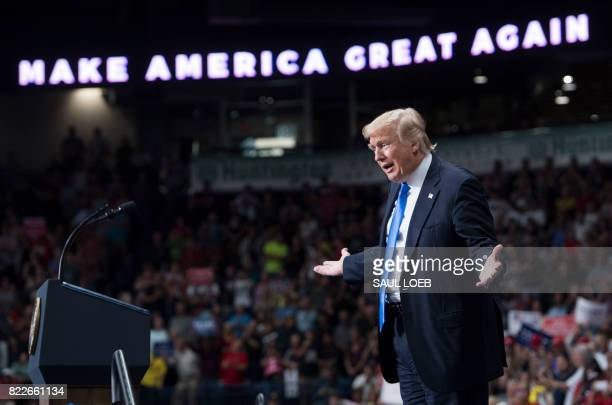 President Donald Trump speaks during a 'Make America Great Again' rally at the Covelli Centre in Youngstown Ohio July 25 2017 / AFP PHOTO / SAUL LOEB