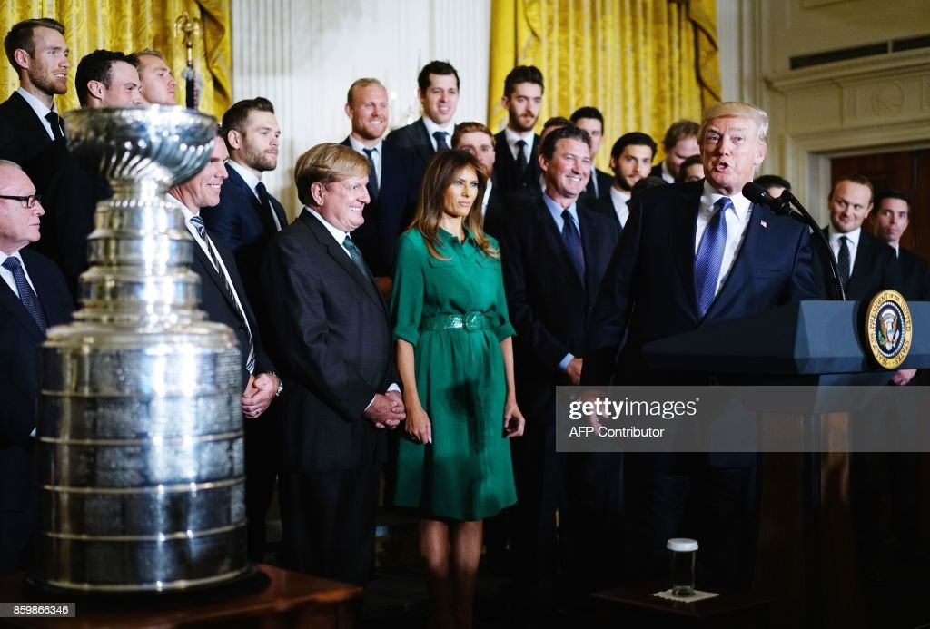 US President Donald Trump speaks during an event honouring the 2017 Stanley Cup Champions, The Pittsburgh Penguins, in the East Room of the White House in Washington, DC, on October 10, 2017. / AFP PHOTO / Mandel NGAN
