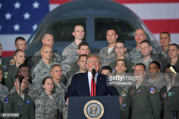 US President Donald Trump speaks to members of the military at Joint Andrews Airforce base Maryland on September 15 2017 / AFP PHOTO / MANDEL NGAN