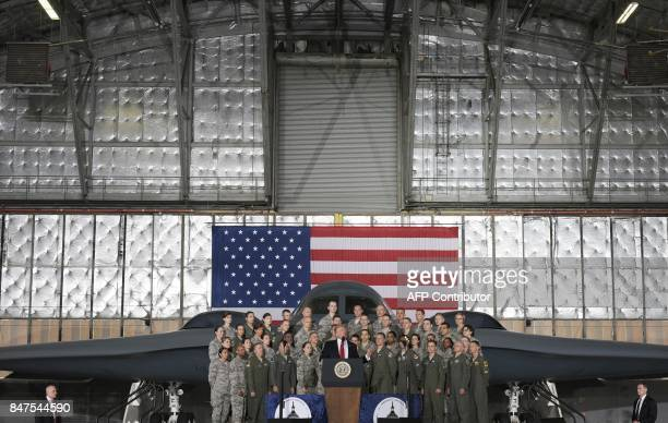 US President Donald Trump speaks to military personnel and families at Andrews Air Force Base in Maryland on September 15 2017 / AFP PHOTO / MANDEL...
