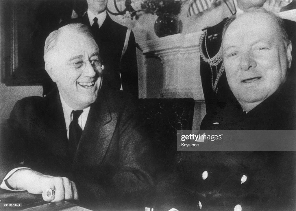 US President Franklin D. Roosevelt (1882 - 1945, left) with British Prime Minister <a gi-track='captionPersonalityLinkClicked' href=/galleries/search?phrase=Winston+Churchill+-+Prime+Minister&family=editorial&specificpeople=92991 ng-click='$event.stopPropagation()'>Winston Churchill</a> (1874 - 1965) at the White House, Washington DC, December 1941.