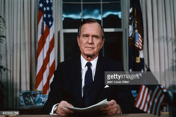 US President George Bush makes a speech from the Oval Office in the White House following the decision to launch Operation 'Desert Storm' during the...