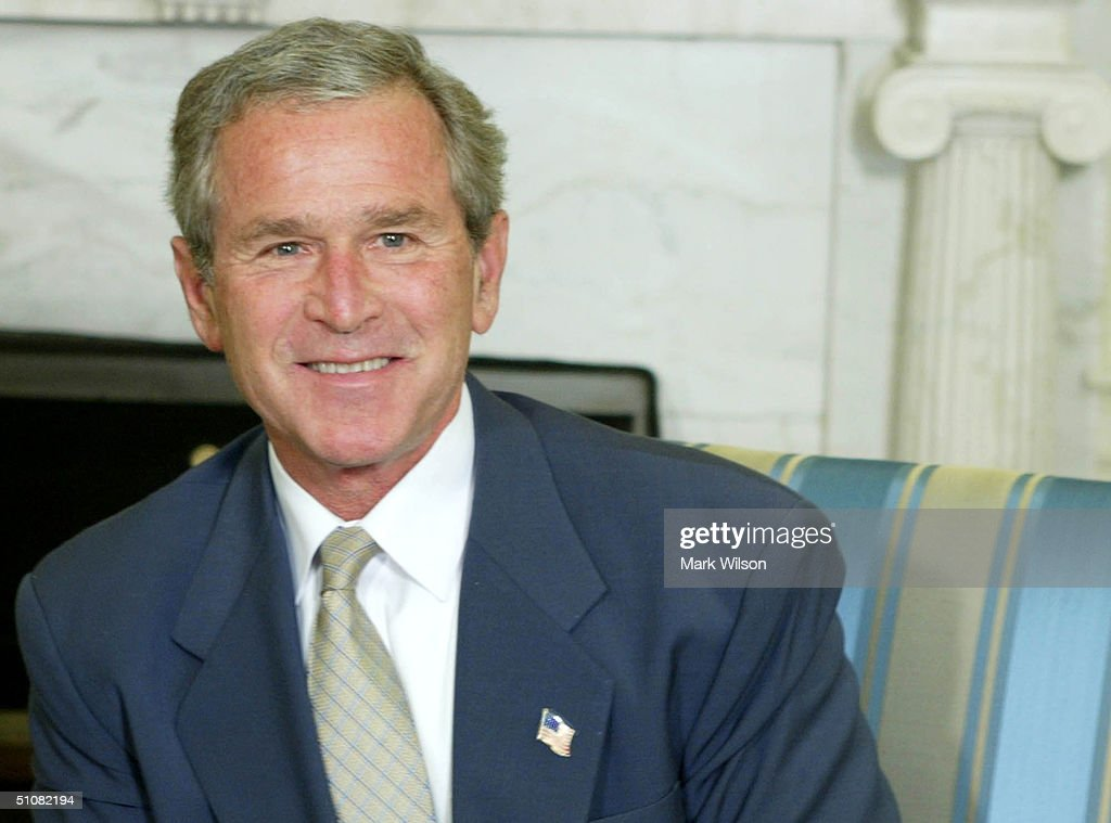 President Bush Meets With President Of Chile
