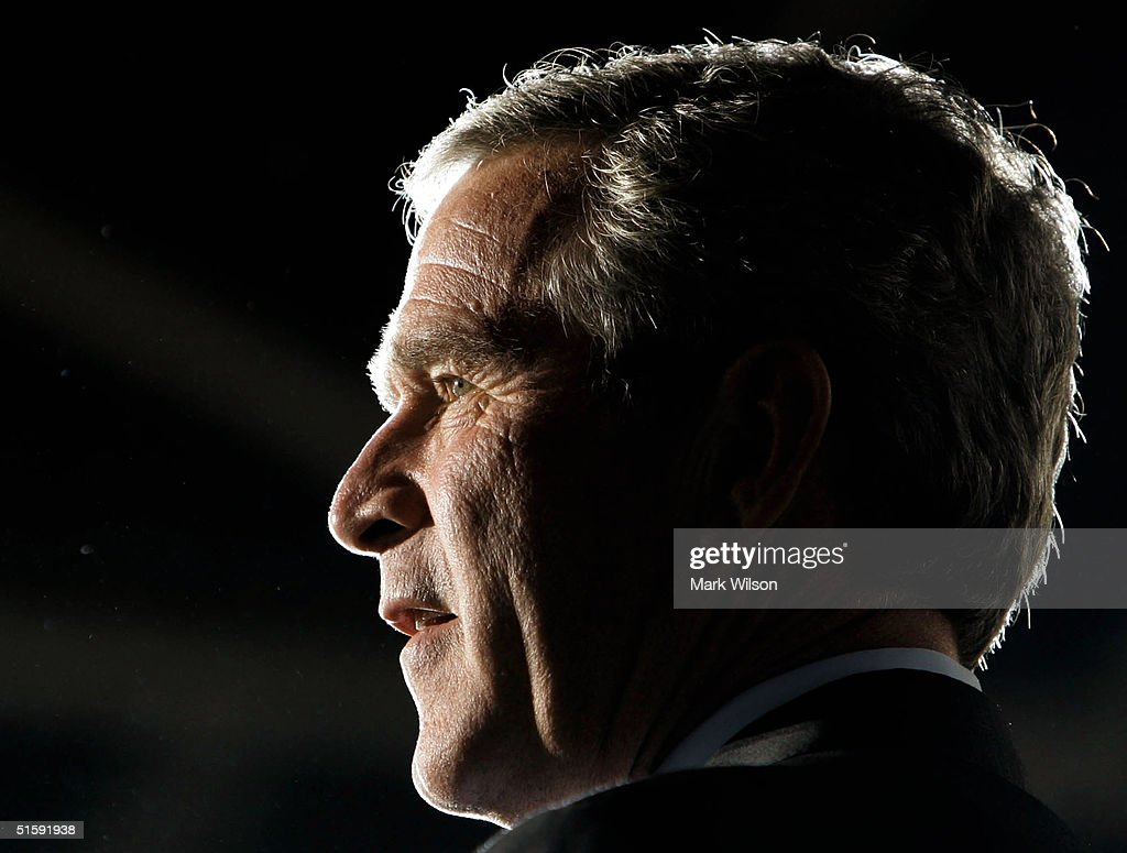 U.S. President <a gi-track='captionPersonalityLinkClicked' href=/galleries/search?phrase=George+W.+Bush&family=editorial&specificpeople=122011 ng-click='$event.stopPropagation()'>George W. Bush</a> speaks during a campaign rally at Youngstown Warren Regional Airport October 27, 2004 in Vienna, Ohio. Recent polls indicate Bush is in a neck and neck race with his challenger, Democratic presidential candidate John Kerry (D-MA).