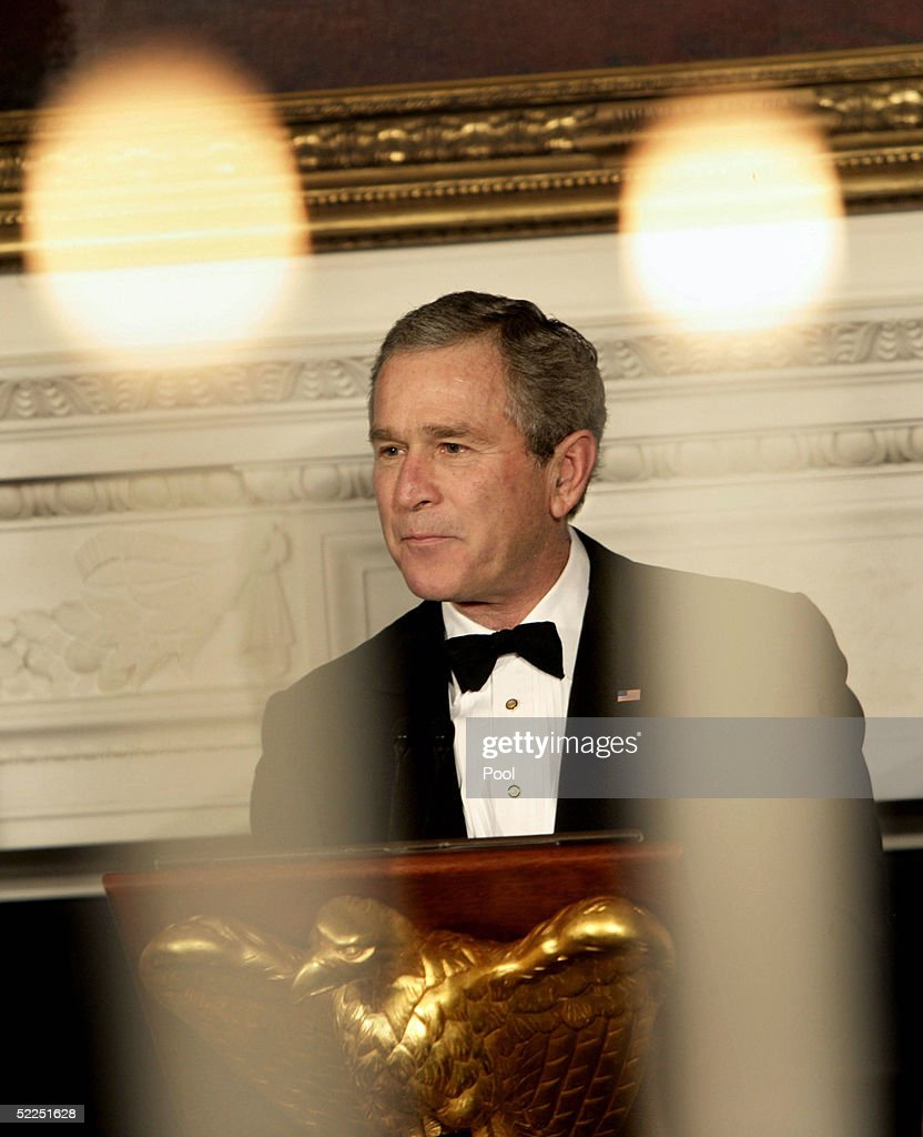 U.S. President <a gi-track='captionPersonalityLinkClicked' href=/galleries/search?phrase=George+W.+Bush&family=editorial&specificpeople=122011 ng-click='$event.stopPropagation()'>George W. Bush</a> toasts the state governors during an official state dinner in the State Dining Room of the White House February 27, 2005 in Washington, DC. The governors are in Washington for the annual National Governors Association meetings.