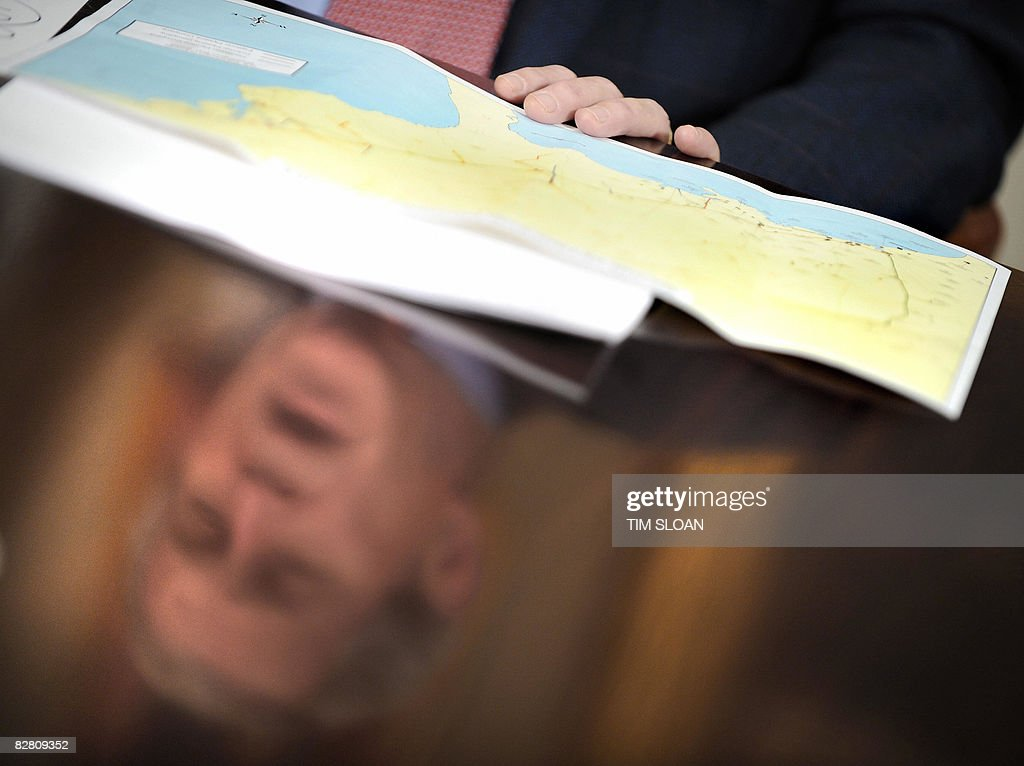 President BUsh Makes Remarks On Hurricane Ike Photos And Images - Us map during washington precedency