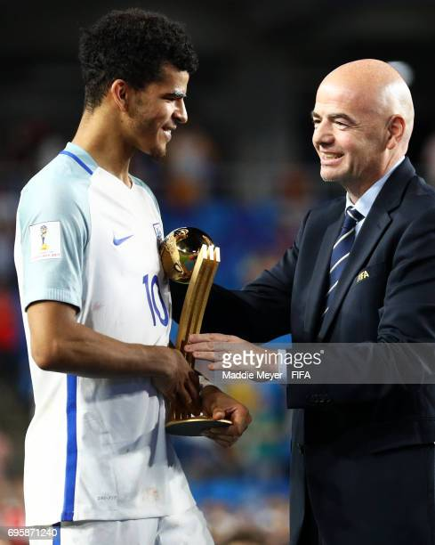 President Gianni Infantino awards Dominic Solanke of England with the Golden Ball Award after the FIFA U20 World Cup Korea Republic 2017 Final...