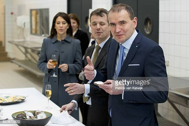 President Guoni Thoilacius Johannesson and his wife Eliza Jean Reid and Crown Prince Frederik and Crown Princess Mary attend a cooking workshop at a...