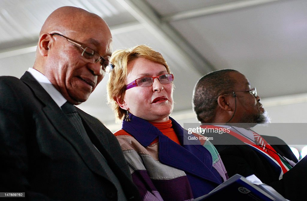 President <a gi-track='captionPersonalityLinkClicked' href=/galleries/search?phrase=Jacob+Zuma&family=editorial&specificpeople=564982 ng-click='$event.stopPropagation()'>Jacob Zuma</a>, leader of the Democratic Alliance party <a gi-track='captionPersonalityLinkClicked' href=/galleries/search?phrase=Helen+Zille&family=editorial&specificpeople=869313 ng-click='$event.stopPropagation()'>Helen Zille</a> and ANC secretary-general Gwede Mantashe at the start of the national social cohesion summit on July 4, 2012 in Soweto, South Africa. The event aims to bring together civil society, religious groups, Government and business, under the theme 'Working together to create a caring and proud society.'