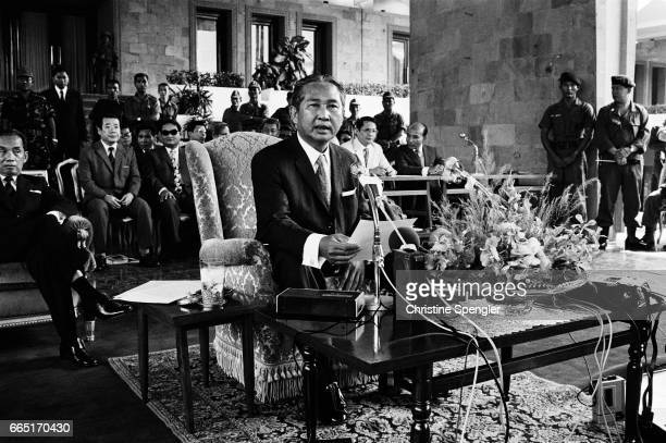 President Lon Nol in Phnom Penh Since the Lon Nol coup in March 1970 two groups fought for control of Cambodia the Khmer National Armed Forces...