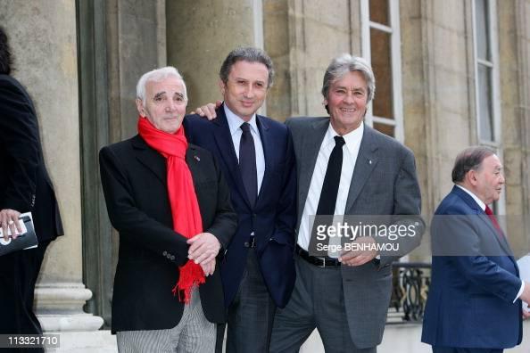Aznavour michel drucker alain delon stock photos and - Age de veronique de villele ...