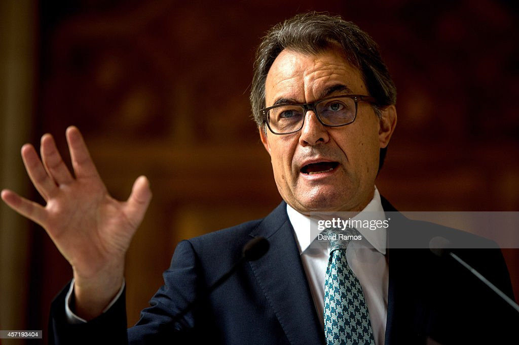 President of Catalonia <a gi-track='captionPersonalityLinkClicked' href=/galleries/search?phrase=Artur+Mas&family=editorial&specificpeople=712829 ng-click='$event.stopPropagation()'>Artur Mas</a> faces the media during a press conference at Palau de La Generalitat on October 14, 2014 in Barcelona, Spain. <a gi-track='captionPersonalityLinkClicked' href=/galleries/search?phrase=Artur+Mas&family=editorial&specificpeople=712829 ng-click='$event.stopPropagation()'>Artur Mas</a> calls for an alternative Self-Determination referendum after the Spanish Constitutonal Court suspended the original referendum. The President of Catalonia demands a high turnout to vote on November 9.