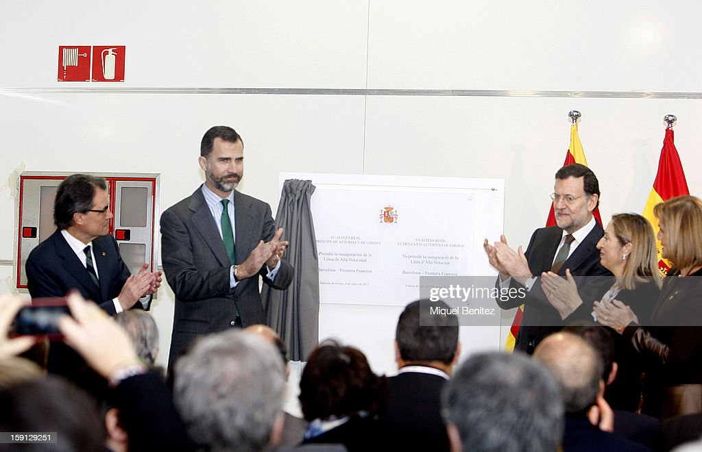 President of Catalonia <a gi-track='captionPersonalityLinkClicked' href=/galleries/search?phrase=Artur+Mas&family=editorial&specificpeople=712829 ng-click='$event.stopPropagation()'>Artur Mas</a>, Prince Felipe of Spain, Prime Minister of Spain Mariano Rajoy and Spanish Minister of Development Ana Pastor unvell a commemorative plaque at the Girona trian station during the inauguration of the AVE high-speed train line between Barcelona and the French border on January 8, 2013 in Barcelona, Spain.