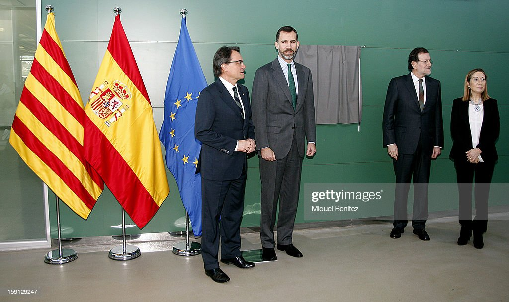 President of Catalunya Artur Mas, Prince Felipe of Spain, Prime Minister of Spain Mariano Rajoy and Spain's Minister of Development Ana Pastor unveil a commemorative plaque at Figueres-Vilafant train station during the inauguration of the AVE high-speed train line between Barcelona and the French border on January 8, 2013 in Barcelona, Spain.