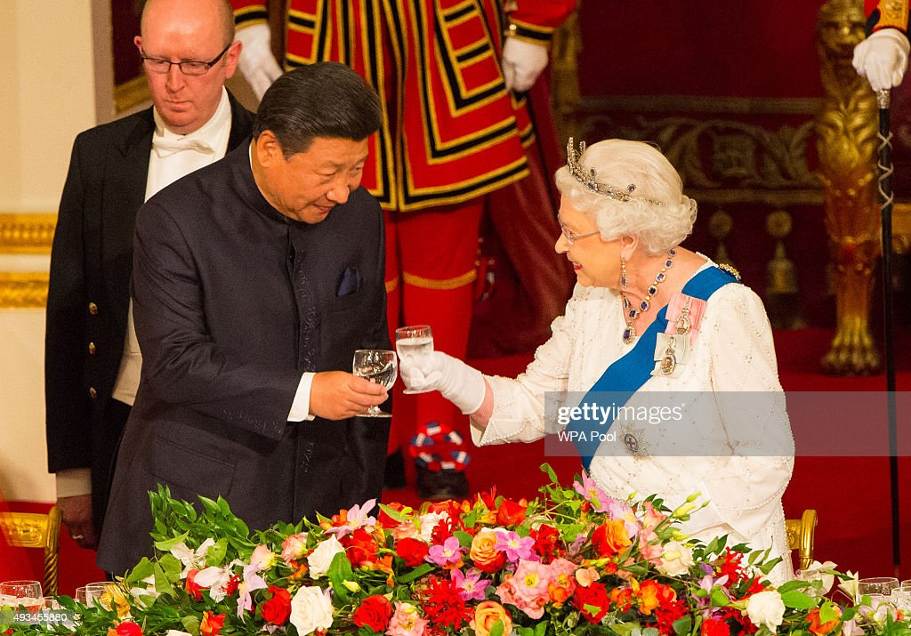 President of China Xi Jinping (L) and Britain's Queen Elizabeth II attend a state banquet at Buckingham Palace on October 20, 2015 in London, England. The President of the People's Republic of China, Mr Xi Jinping and his wife, Madame Peng Liyuan, are paying a State Visit to the United Kingdom as guests of the Queen. They will stay at Buckingham Palace and undertake engagements in London and Manchester. The last state visit paid by a Chinese President to the UK was Hu Jintao in 2005.